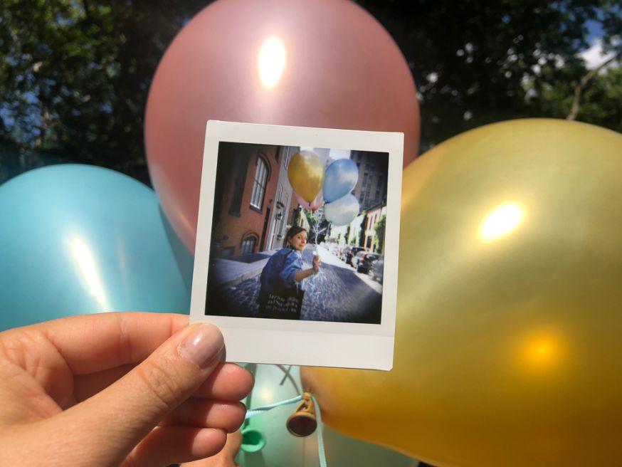 1000 Win een gloednieuwe Diana Instant Camera
