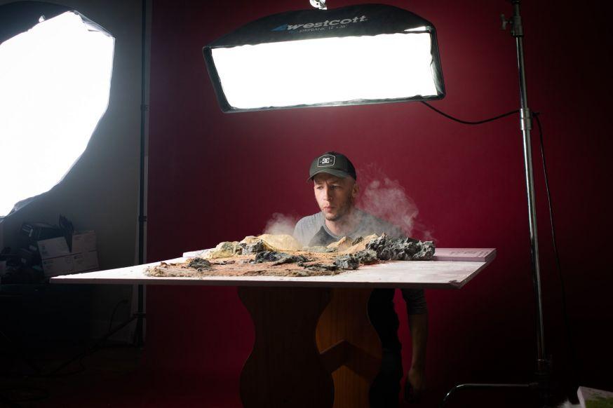 Fotograaf maakt Lord of the Rings foto's na op een tafelblad