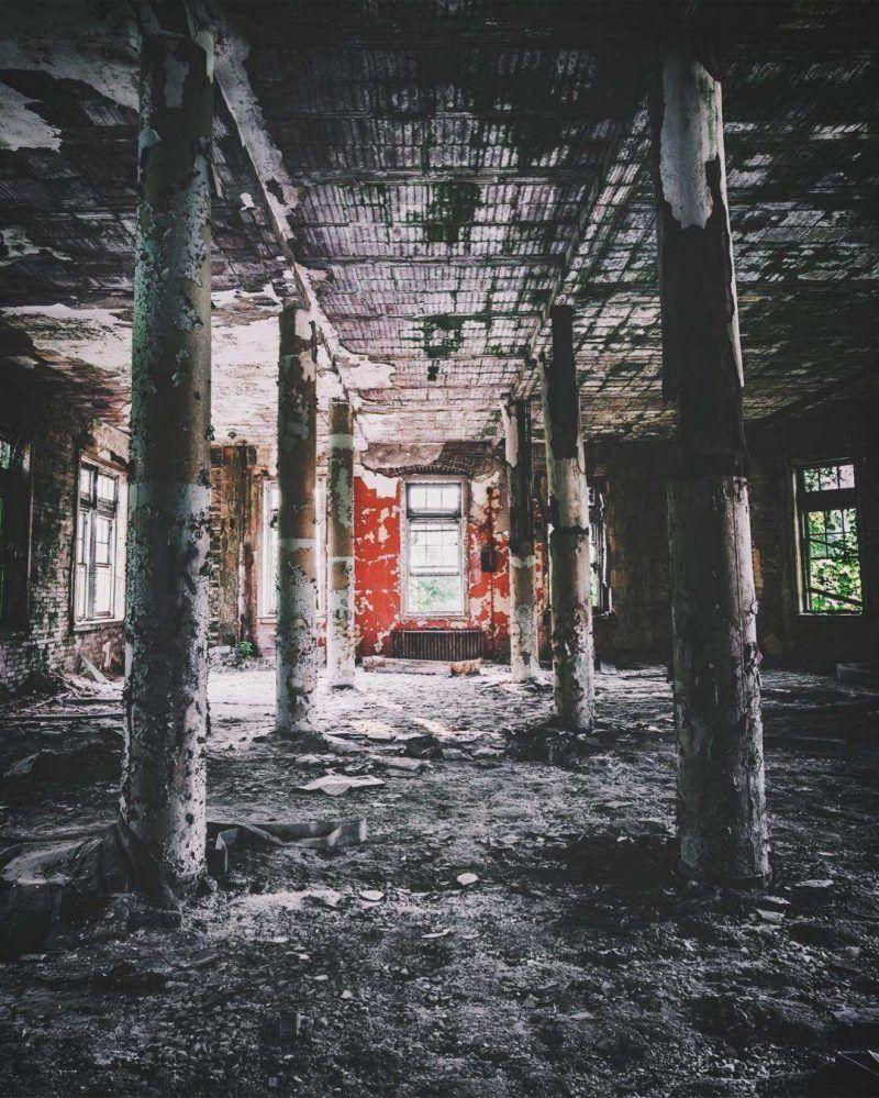 Het fotograferen van verlaten plaatsen