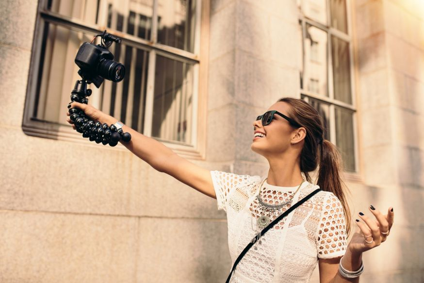 maandthema kamera express vloggen