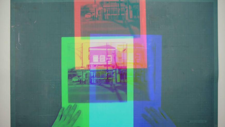 Een kleurenfoto maken op zwart-wit film