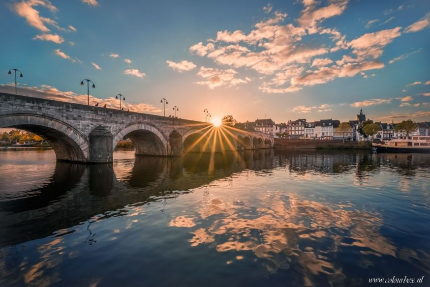 spotlight lezersfoto 2 juli 2018 marlou nijpels zonnetje op de brug maastricht